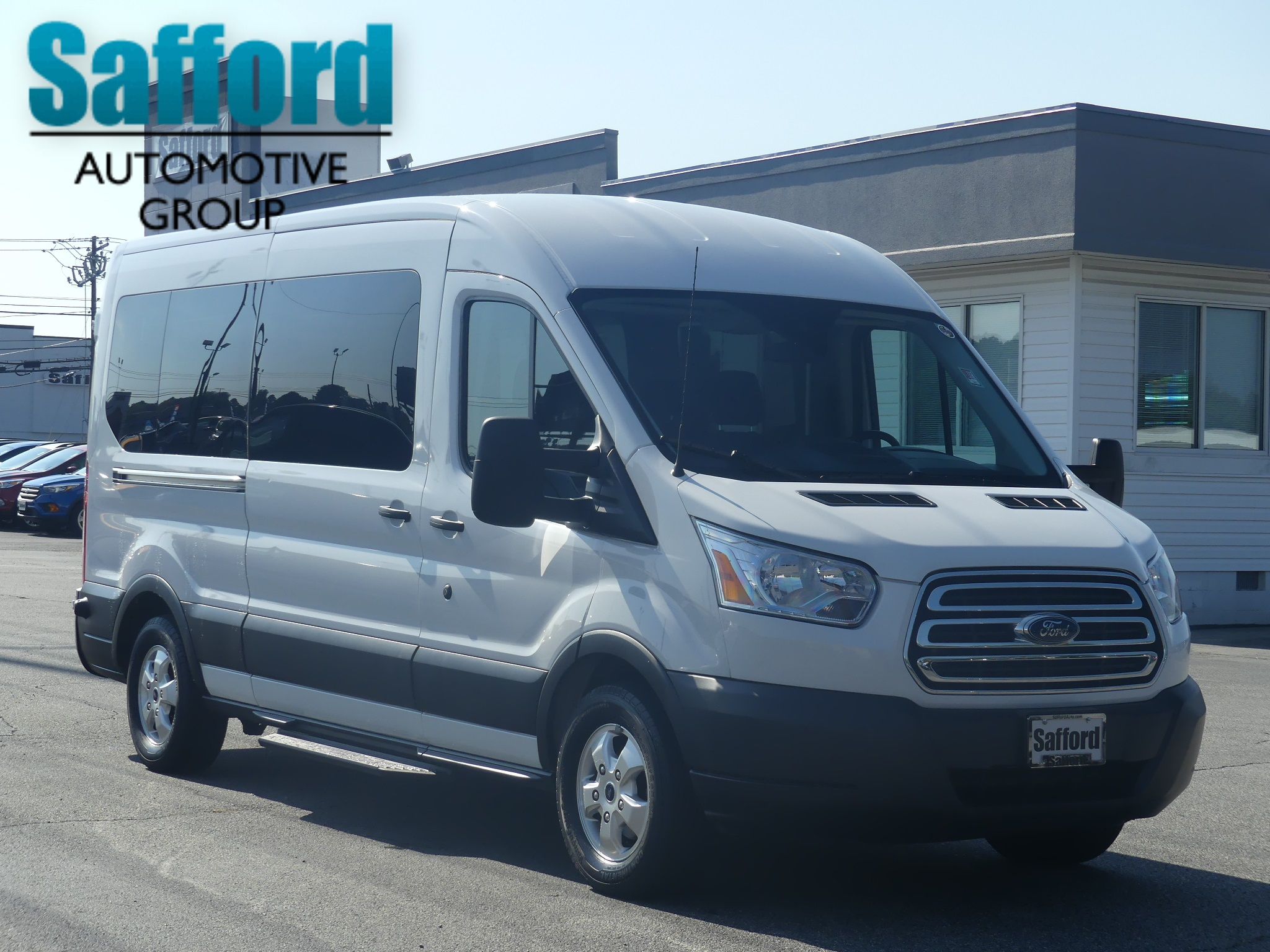 Pre owned 2017 ford transit wagon xl
